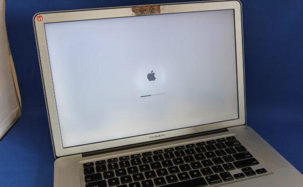A1286 MacBookPro 修理