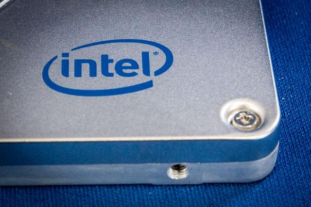 intel SSD データ復旧